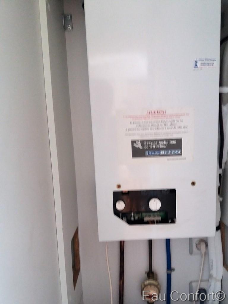 chauffe eau gaz remplacer par un chauffe eau electrique dans un mobil home au cap d 39 agde suite. Black Bedroom Furniture Sets. Home Design Ideas